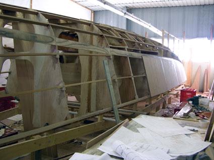 Costruzione di un dudley dix in compensato e resina for Ottenere un prestito di costruzione