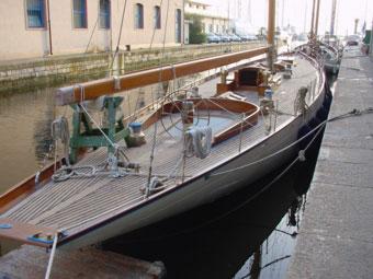 La costruzione dell 39 albero della barca di legno for Piani di idee per la costruzione di ponti